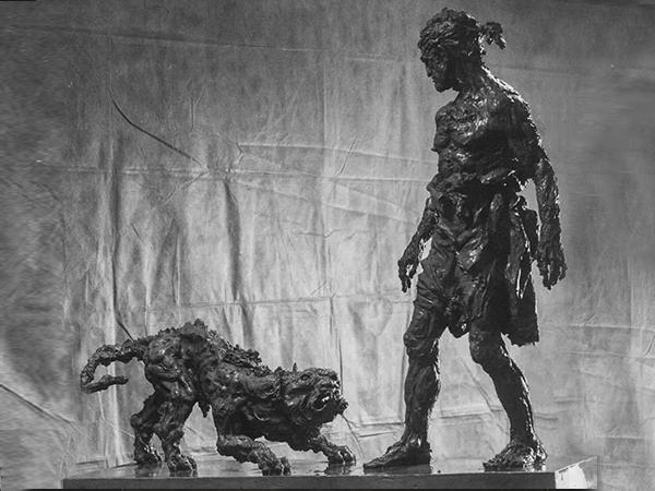 Данте и волчица. Высота 139 см, бронза