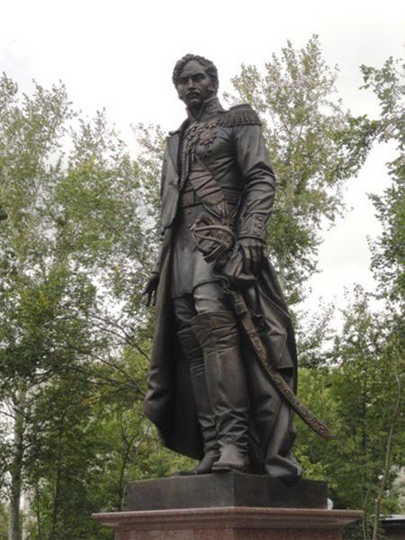 Памятник Светлейшему князю А.И. Чернышеву. Город Лыткарино