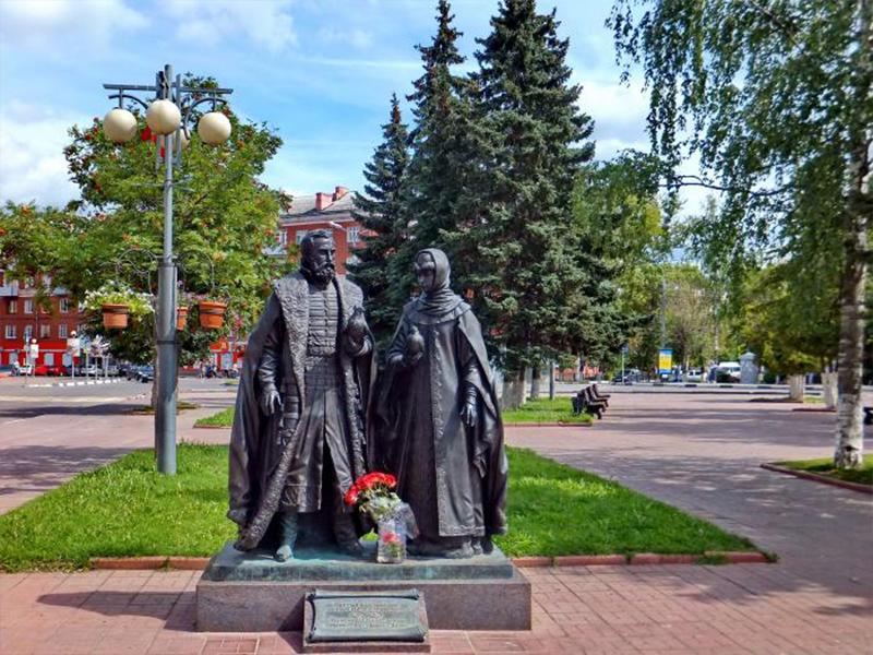 Памятник святым благоверным Петру и Февронье в г Клин